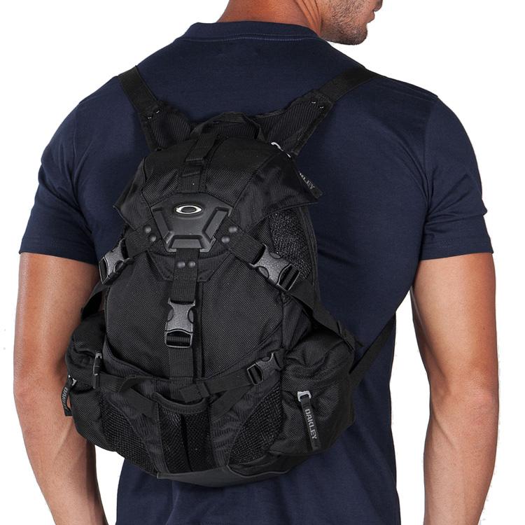 Men's and Women's Bags | Oakley® Store - Australia
